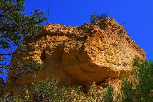 Ocres-de-Rustrel-rocher